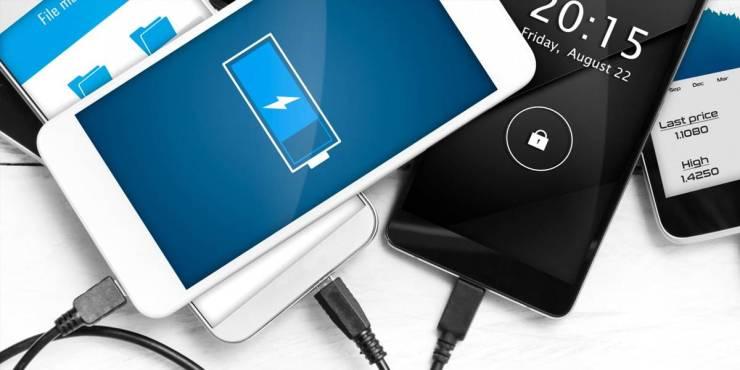 Esto pasa si dejas tu smartphone cargando batería toda la noche