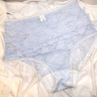 Midjehög spetstrosa, ljusblå med vit volangresår