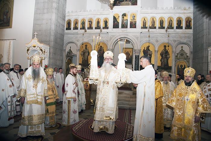 jun-2019-arhijerejska-liturgija-u-niksicu-12