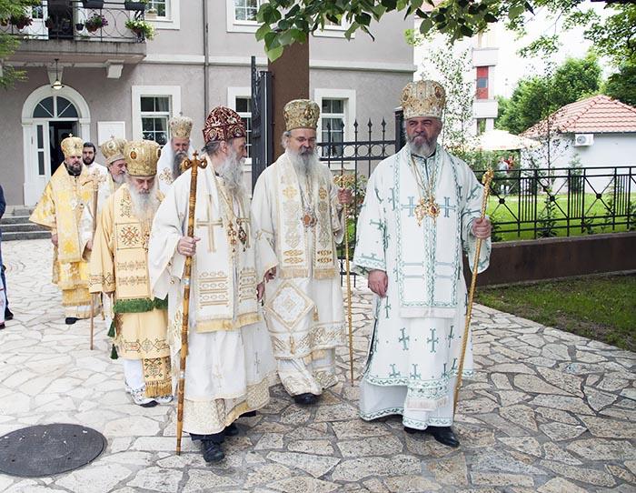 jun-2019-arhijerejska-liturgija-u-niksicu-2