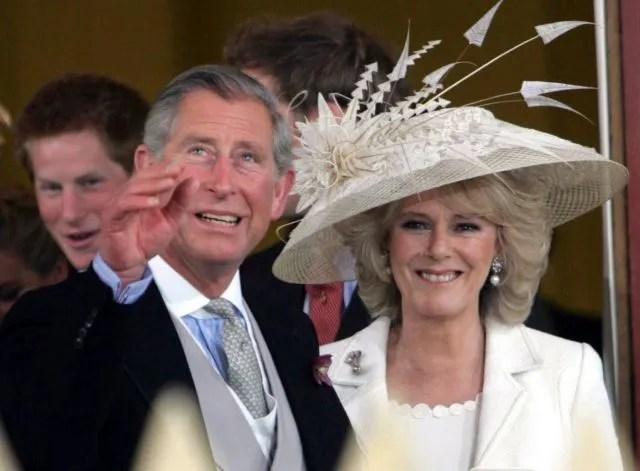 El príncipe Carlos de Gales y su mujer la duqueda Camila de Cornualles