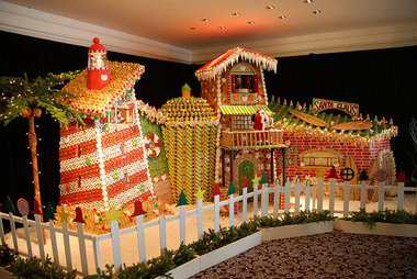 Creative Gingerbread Houses A Photo Gallery With Links To