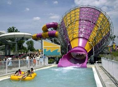 Ohios water parks take the heat off  MLivecom