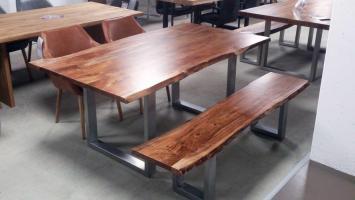 Esstisch KERALA Massivholz Akazie 200x100 cm mit Baumkante