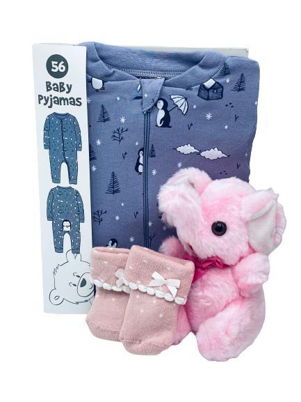 Presentpåse - bebispyjamas och gosedjur