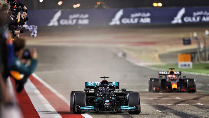 La prima bozza non ufficiale del calendario 2022 di F1: Imola resta fuori (per ora). Joe Saward, sul suo blog, ha svelato la prima bozza.