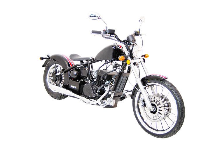 Présentation de la moto 125 Regal Raptor Bobber