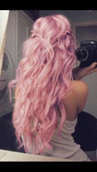 Awesome Hair Styles, Cuts AND dye Ideas  - Musely