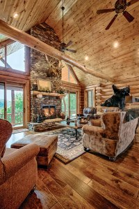A Mountain Log Home in New Hampshire