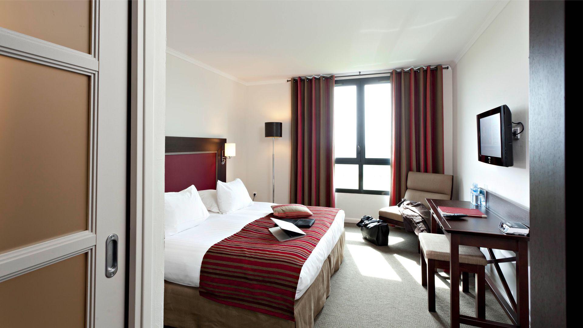 Chambre Luxe, Réservez Chambre D'hôtel Saintomer  Najeti