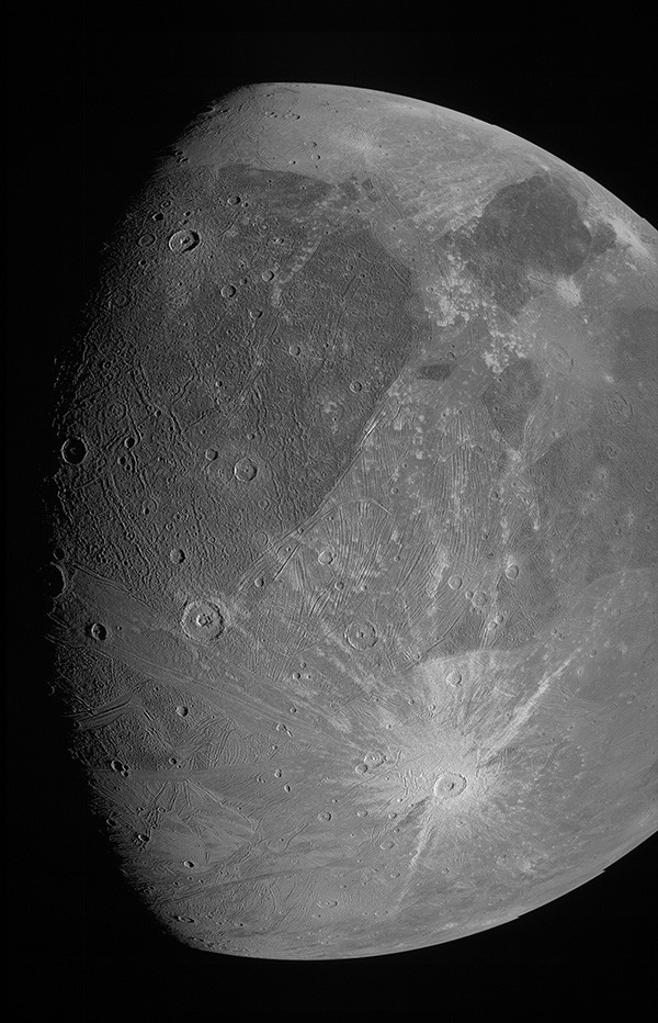 A black-and-white image of Ganymede in all its glory.