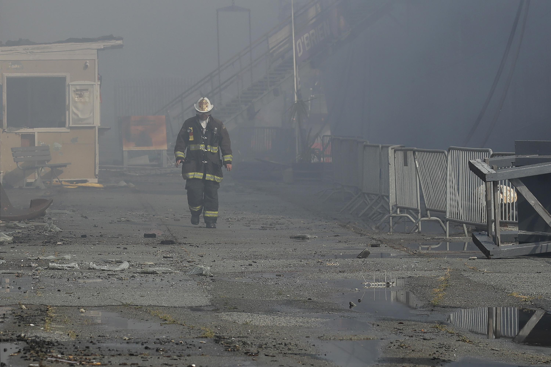 4 Alarm Blaze Rips Through Warehouse At San Francisco S