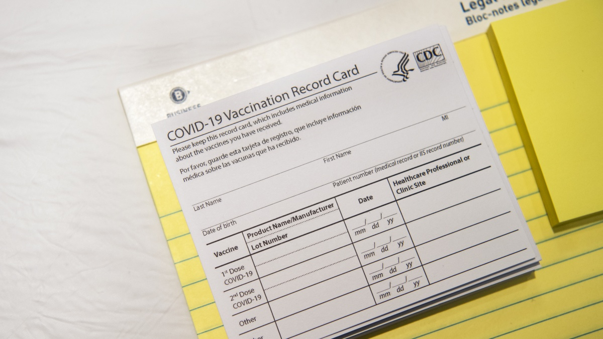 Maskless Patrons Must Show COVID-19 Vaccination Card to Enter Evanston Pizzeria