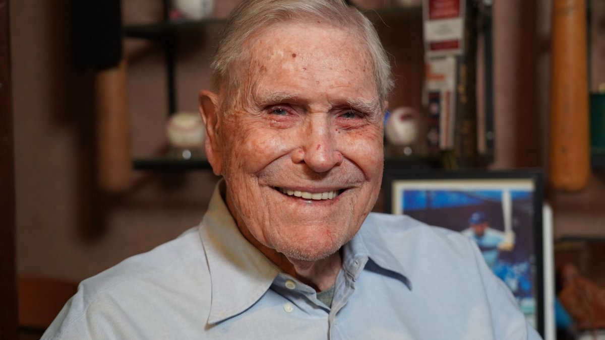 At 100-Years Old, Eddie Robinson Brings to Life the Golden Age of Baseball