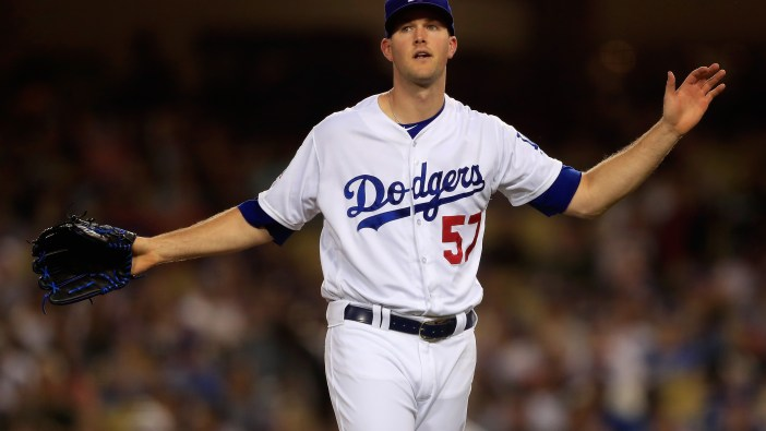 Alex Wood Signs $4 Million, Incentive-Laden New Contract with ...