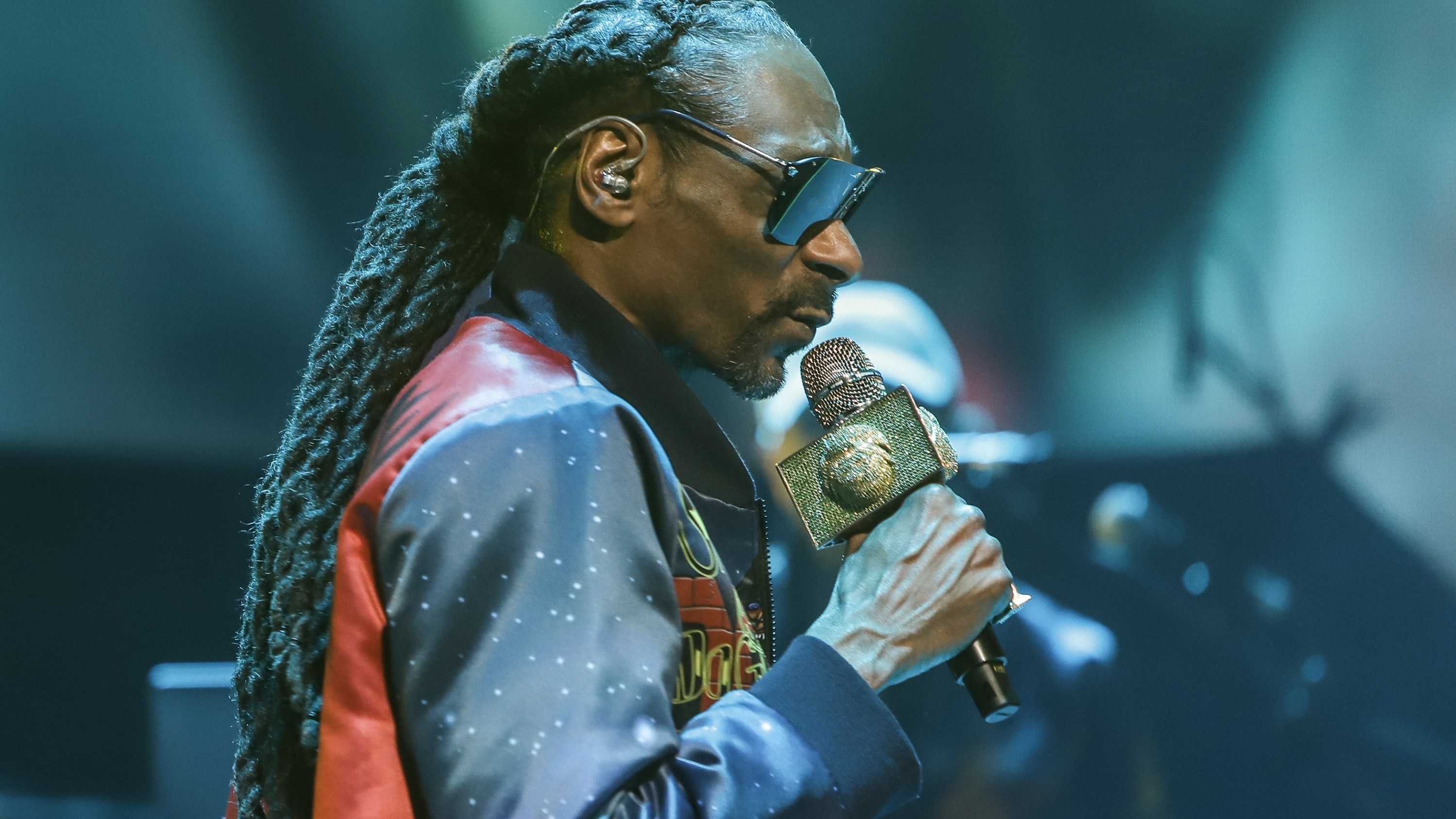 Snoop Dogg Apologizes To Gayle King For Attack Over Kobe