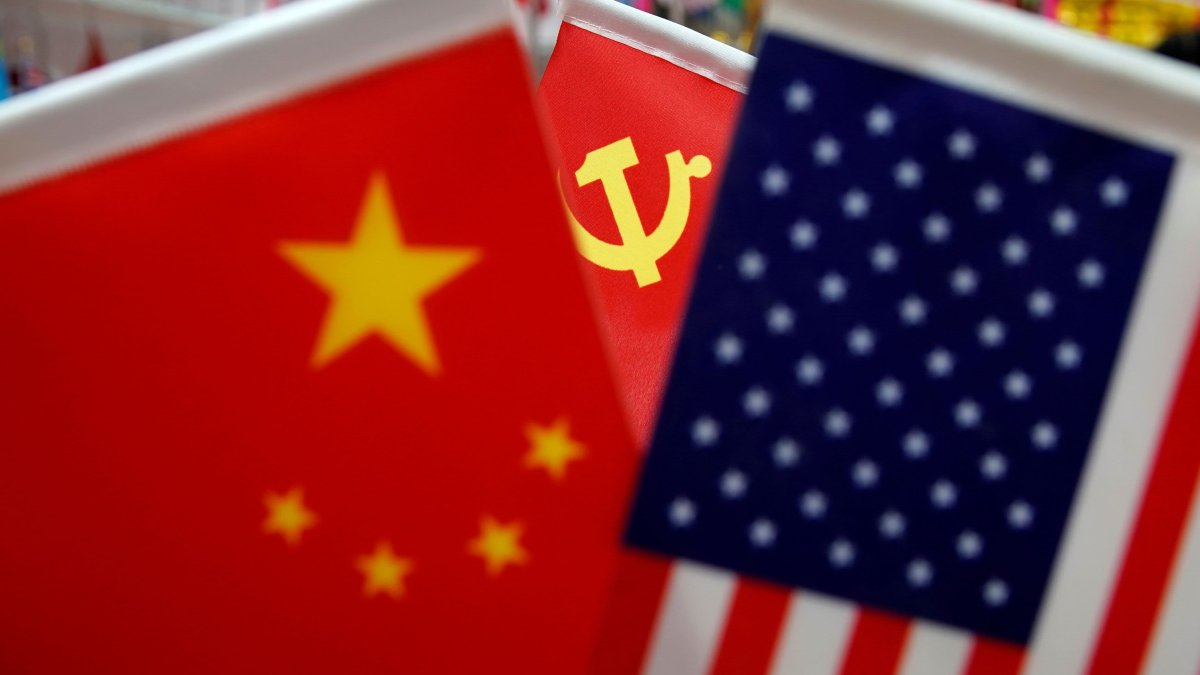 Chinese Foreign Minister Takes Firm Tone, Calls for 'Non-Interference' Between China and the U.S. 1