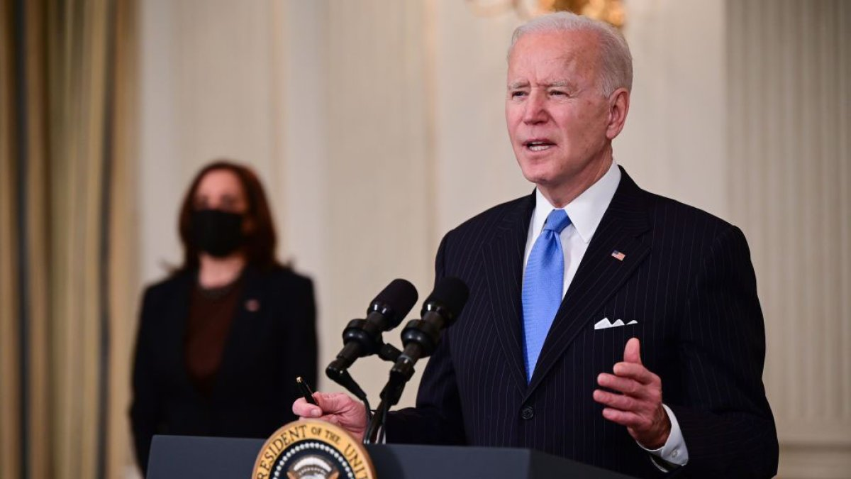 Biden, Harris Offer Solace to Grieving Asian Americans, Denounce Racism 1