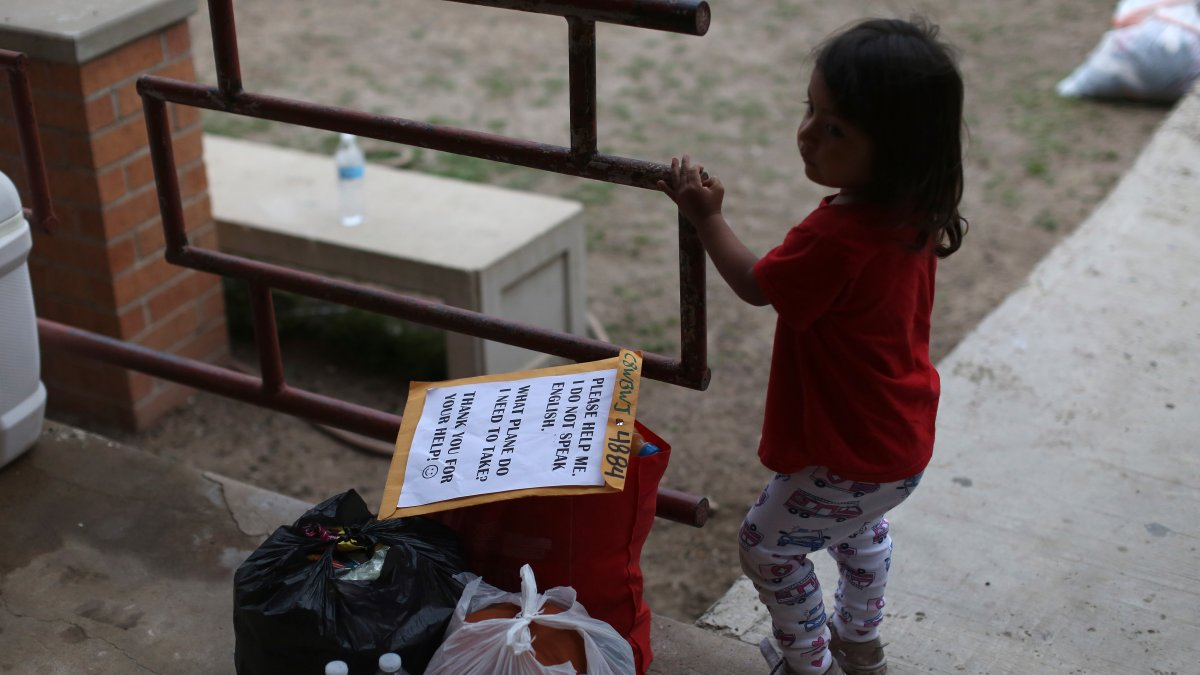 Migrant Families Freed Without Court Notice Or Any Paperwork 1