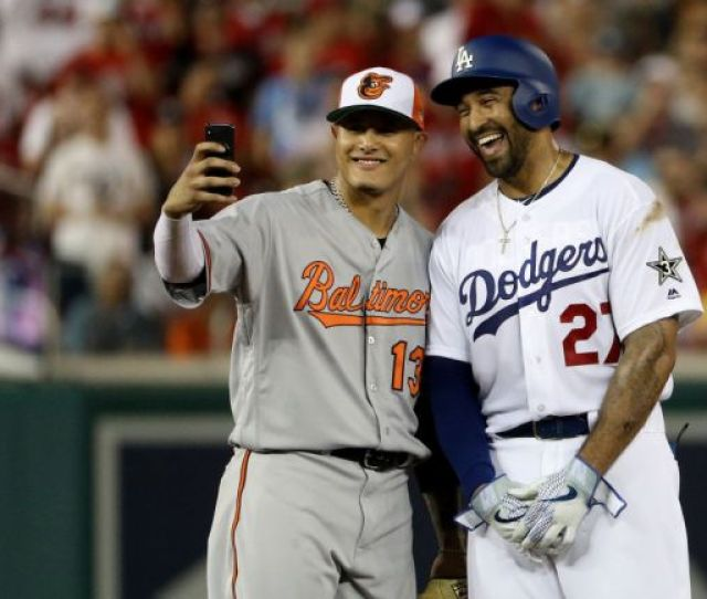 Mlb Trade Rumors Dodgers Reportedly Close To Trading For Manny Machado