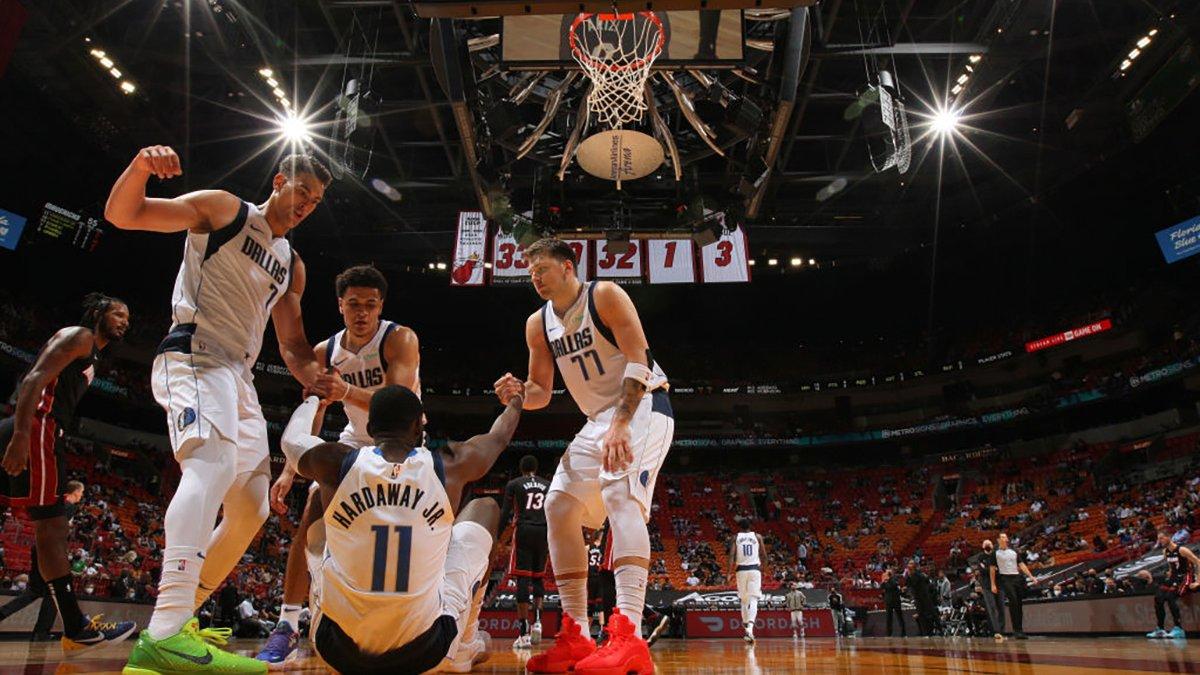 Hardaway Jr. Makes 10 3's, Helps Dallas Mavericks Roll Past Miami Heat