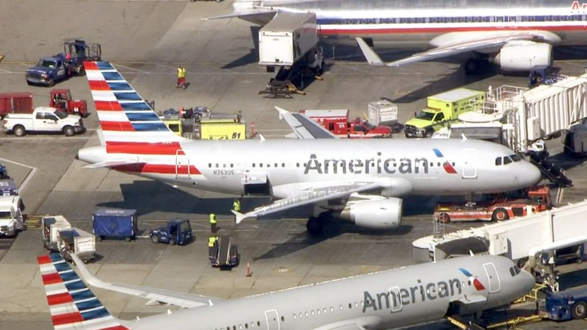 Breathing Problems Reported After Flight Diverts to LAX – NBC New York