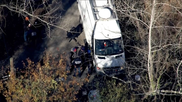 [NY] Chopper 4 Shows Legion of Law Enforcement Swarm NYC Park in Search for Missing NJ Woman
