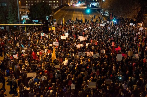 [NATL]Anti-Trump Protests Erupt in US Cities