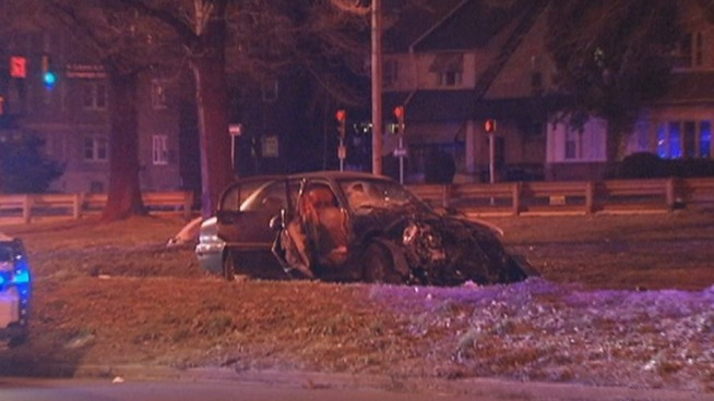 3 Hurt in Suspected DUI Crash on Boulevard