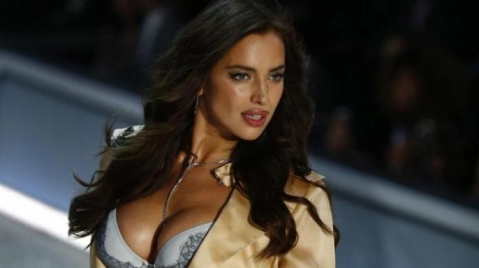 On her latest Instagram Post Model Irina Shayk dispensed with the pants - the Fans went crazy.
