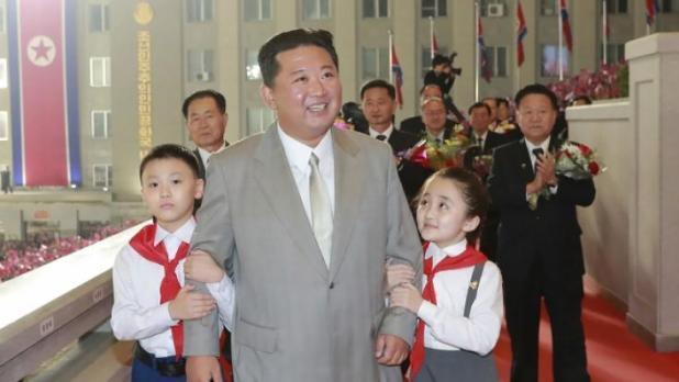 Kim Jong-un ist sichtbar erschlankt. (Foto)