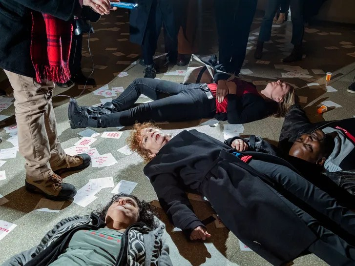 Nan Goldin Leads A Protest At The Guggenheim Against The Sackler Family The New Yorker