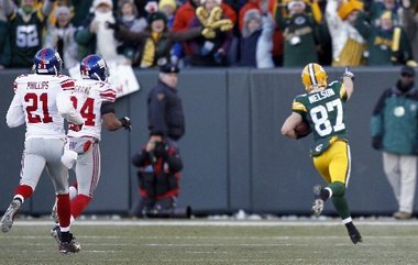 Image result for aaron rodgers and jordy nelson vs giants