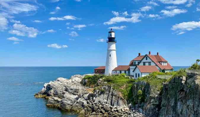 A picturesque lighthouse on the coast of Maine
