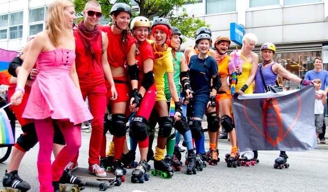 lesbian skaters wearing rainbow colors, photo by Björn Söderqvist (flickr: @kapten)