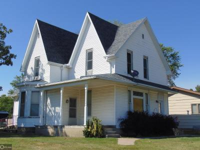 200 Mill, Montezuma, Iowa 50171-8414, 2 Bedrooms Bedrooms, ,Multi-family (2-4 Units),For Sale,Mill,5657409