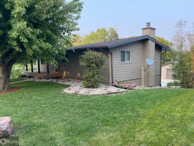 202 4th, Bayard, Iowa 50029-7750, 3 Bedrooms Bedrooms, ,2 BathroomsBathrooms,Single Family,For Sale,4th,5662937
