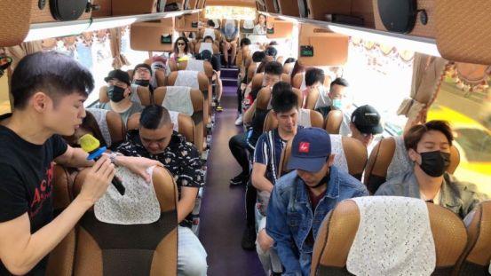 宋义民带领50名冒险冒着太鲁阁人不订票逃脱的艺术家  娱乐   NOWnews今日新闻