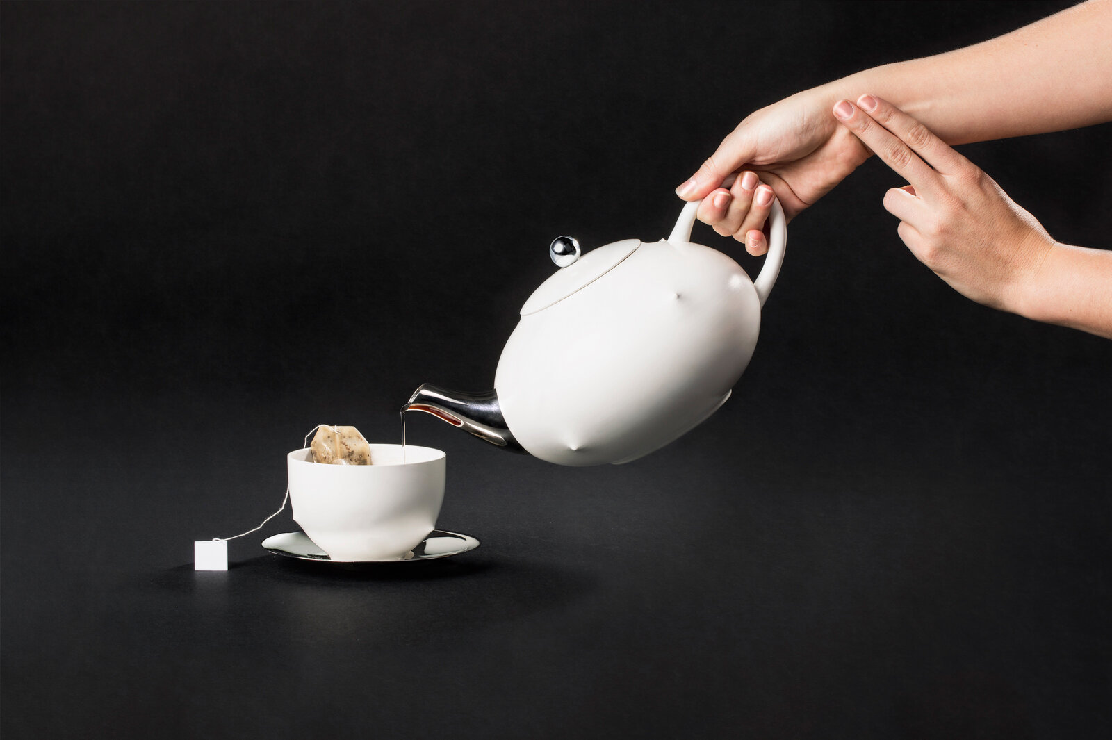 "The creators of the Playful Self tea set believe that ""in the future, biometric data will only become more ubiquitous."" And your tea set could become one of the devices gathering data. Project by: Alex Rothera & Jimmy Krahe. Tea set design: Pascal Hien."