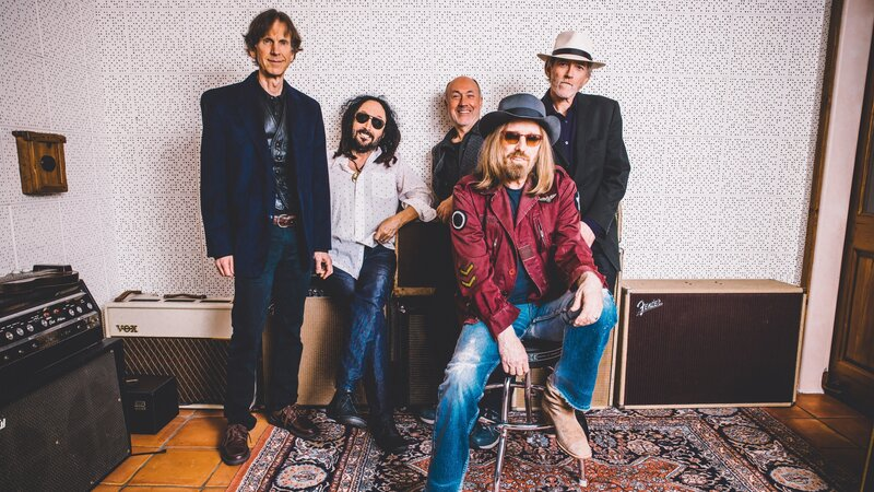 Mudcrutch.