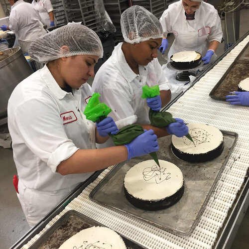 Refugees Resettled In Chicago Help Make Its Most Famous Cheesecake