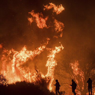 Southern California Fires Surpass 140,000 Acres As Santa Ana Winds Drive Flames