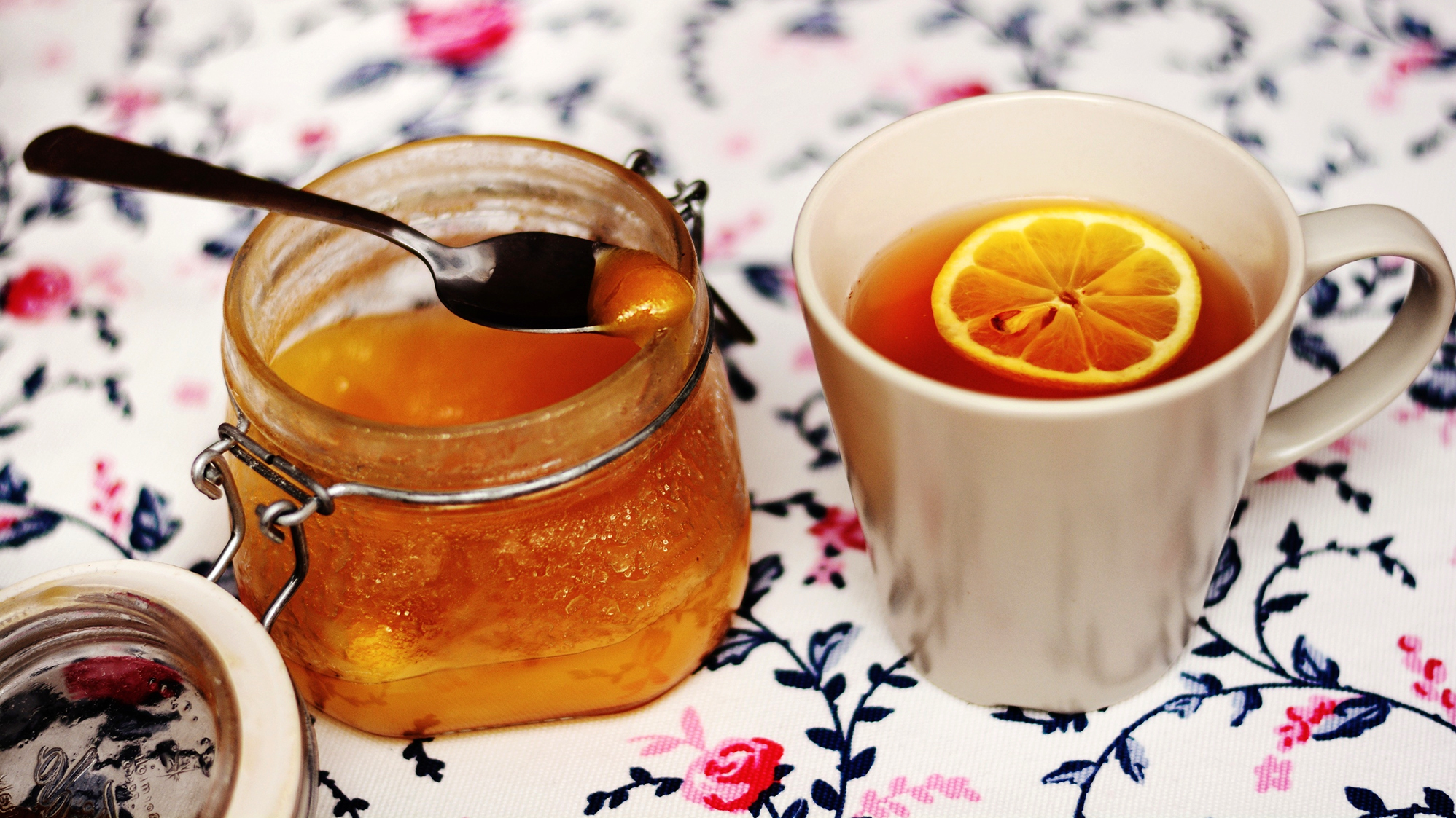 Tea, Honey And Lemon: Does This Classic Trifecta Actually Help A ...