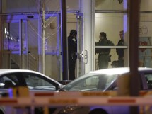 4 Dead Including Officer Gunman Shooting Chicago
