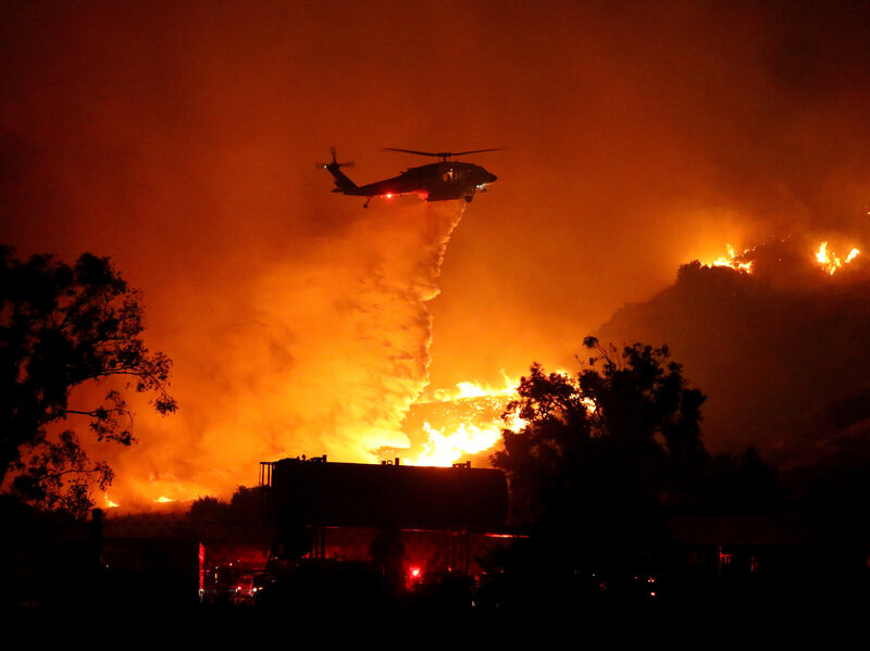 Saddleridge Fire Near Los Angles Rages, More Than 7,500 Acres Burn ...