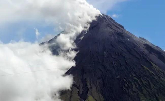 Duitsers En Gids Dood Door Vulkaanuitbarsting Filipijnen