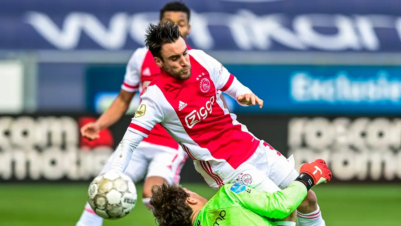 https www tellerreport com sports 2021 03 14 0a ajax is looking for 0 3 against pec with two substitutes 0a r1 iqztimu html