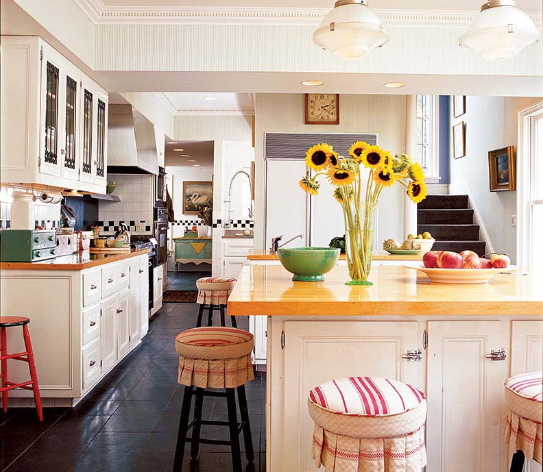 How To Design a Farmhouse Kitchen