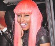 nicki minaj matches hair