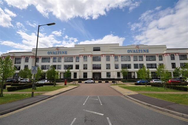 Ovaltine Court Kings Langley 2 bed flat for sale  285000